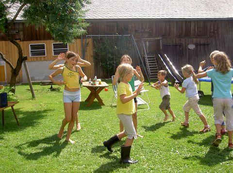 Urlaub in Neustift - Peinbauerhof - Kinder spielen