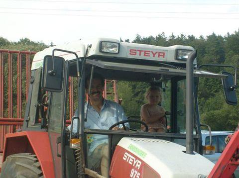 Urlaub in Neustift - Leithenmühle Matheis - Traktor fahren