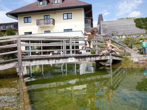 Urlaub in Neustift - Hotel Weiss - Haus mit Schwimmteich
