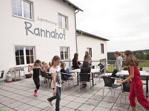 Urlaub in Neustift - Jugendherberge Dikany - Terrasse